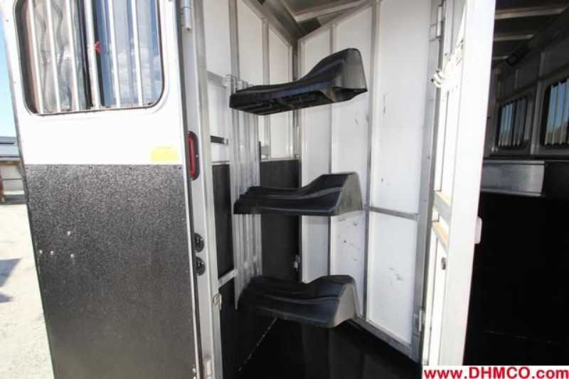 Used 2010 Sundowner 3 Horse Slant Trailer
