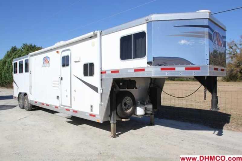 #87121 - Used 2010 Lakota 8313LQ 3 Horse Trailer with 13' Short Wall