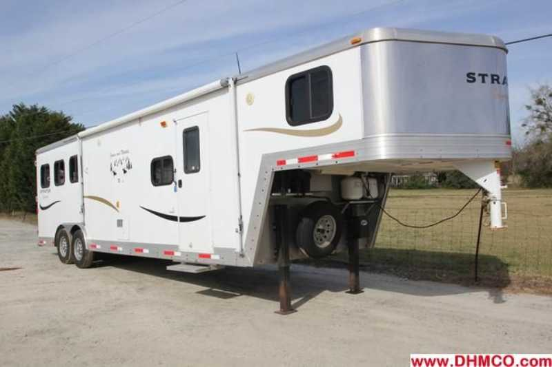 #09806 - Used 2008 Bison Stratus 8310LQ 3 Horse Trailer with 10' Short Wall