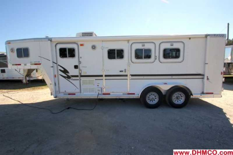 #10289 - Used 2001 Exiss SS306LQ 3 Horse Trailer with 6' Short Wall