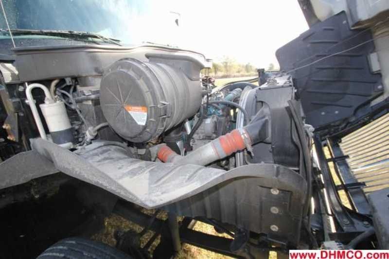 #32766 - Used 2006 International 4400 Truck