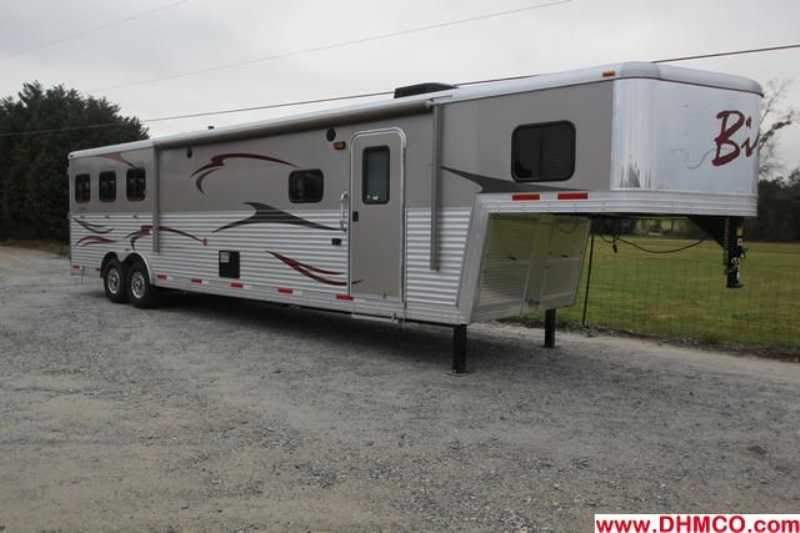 #03081 - New 2013 Bison Premiere 8315GBSODS 3 Horse Trailer with 14' Short Wall