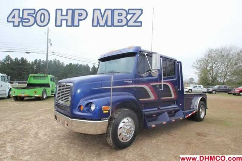 #75360 - Used 2003 Freightliner Sport 112 Truck