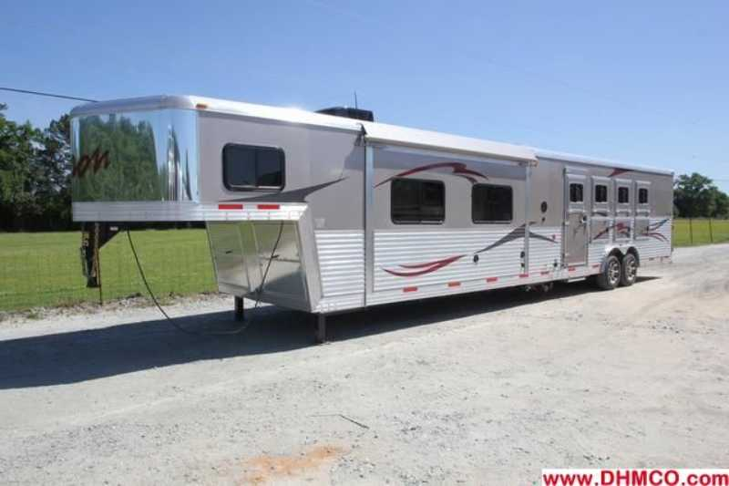 #03116 - New 2013 Bison Premiere 8417SSDS 4 Horse Trailer with 17' Short Wall