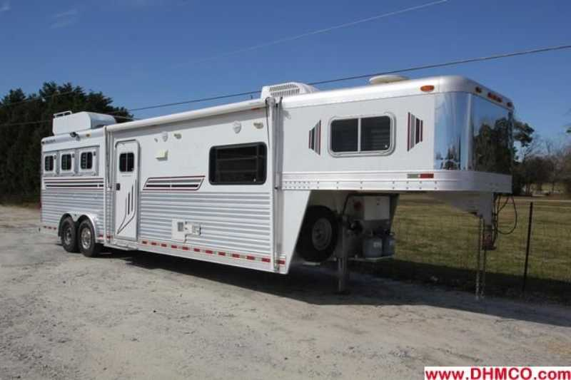 #00483 - Used 2003 Platinum 8313LQ 3 Horse Trailer with 13' Short Wall