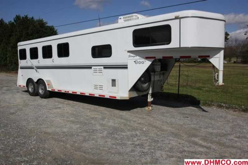 #77760 - Used 2003 Bee 3 Horse Trailer with 8' Short Wall