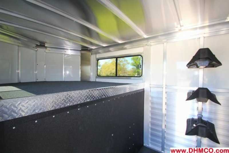 #A7656 - New 2014 Sundowner SS3HGN 3 Horse Trailer  with 4' Short Wall