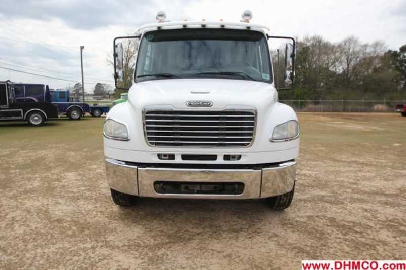 #95617 - Used 2006 Freightliner M2 106 Medium Duty Truck