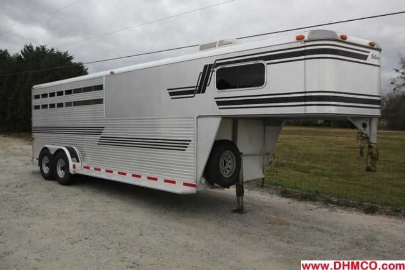 #32218 - Used 1997 Silver Star 4HSL 4 Horse Trailer with 4' Short Wall