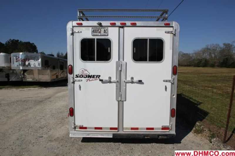 Used 2002 Sooner 4 Horse Slant Trailer