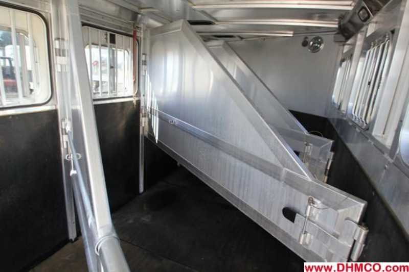 #00492 - Used 2002 Sooner 4HSL Mirage 4 Horse Trailer  with 4' Short Wall