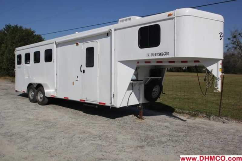 #01328 - Used 2012 Bison 4 Horse Trailer with 6' Short Wall