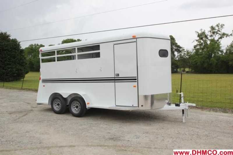 #77688 - New 2013 Bee 3HBPSLDLX 3 Horse Trailer with 2' Short Wall