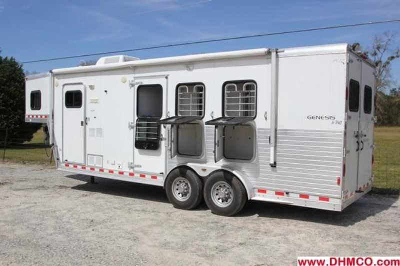 Used 2003 Kiefer Built 3 Horse Slant Trailer