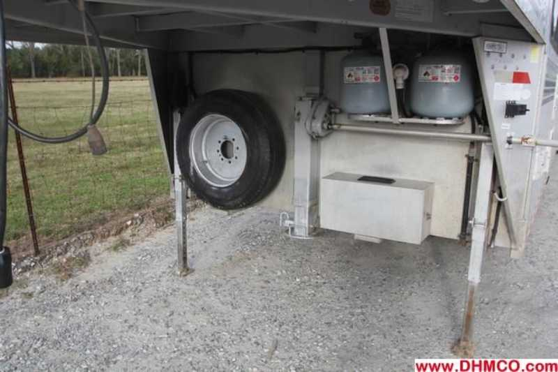 #A2912 - Used 2000 Sundowner 8410LQ 4 Horse Trailer  with 10' Short Wall