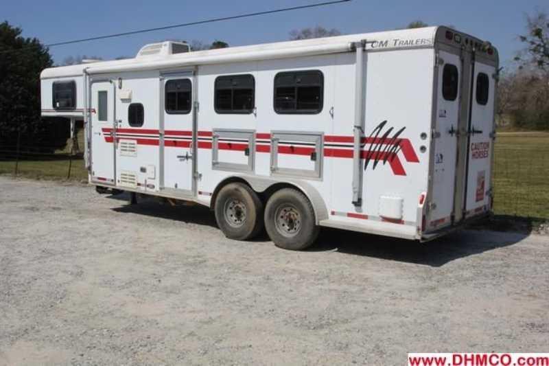 Used 1999 CM 3 Horse Slant Trailer