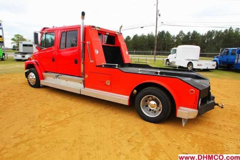 #28487 - Used 2002 Freightliner FL60 Truck