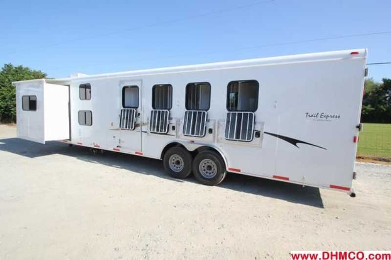 #03255 - New 2013 Bison Trail Express 8414GLQBK 4 Horse Trailer  with 14' Short Wall