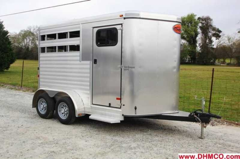 #A4369 - Used 2011 Sundowner 2HSL 2 Horse Trailer with 2' Short Wall