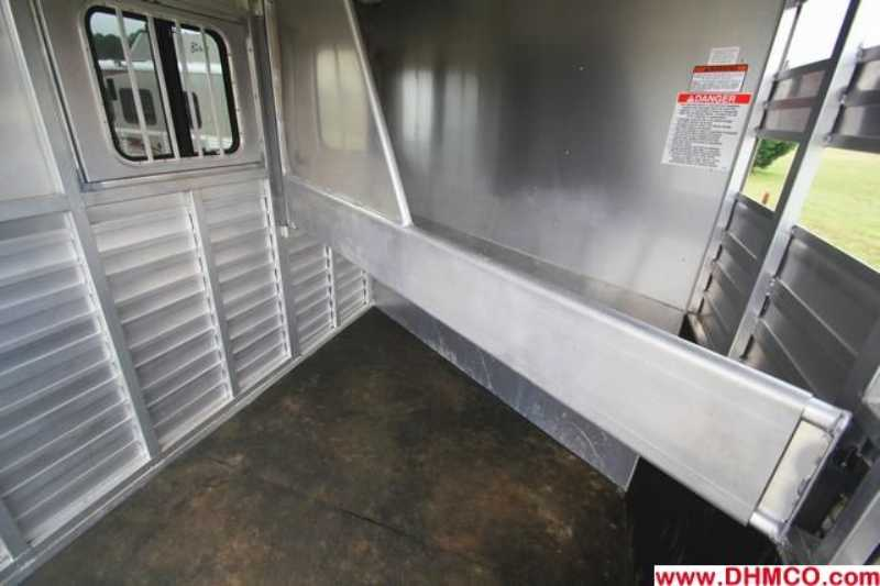 Used 2011 Sundowner 2 Horse Slant Trailer