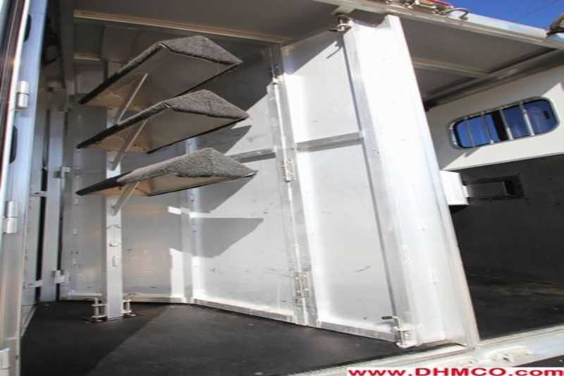 Used 2006 Exiss 4 Horse Slant Trailer