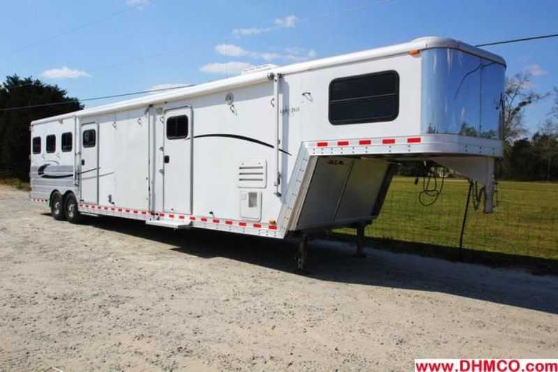 #46974 - Used 2004 Kiefer Built 8317BKMTGLQ 3 Horse Trailer with 17' Short Wall