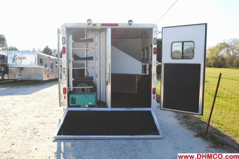 Used 2004 Kiefer Built 3 Horse Slant Trailer