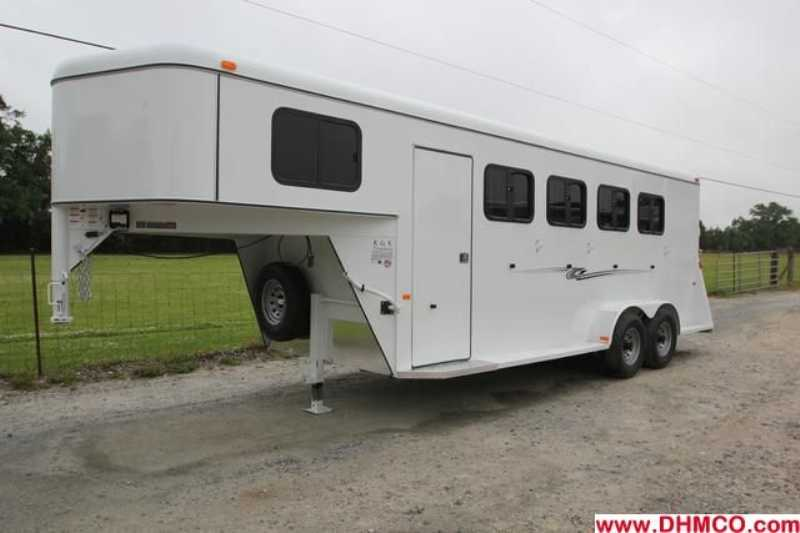 #77699 - New 2013 Bee 4HGNSL 4 Horse Trailer with 2' Short Wall