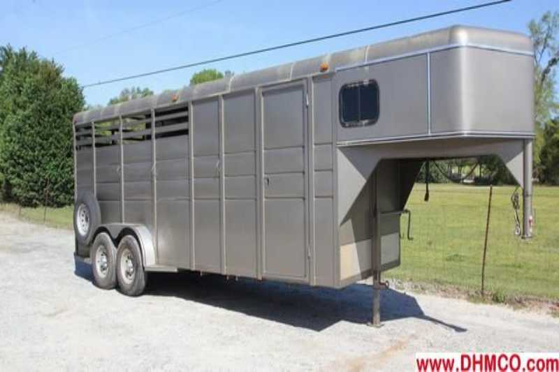 #86013 - Used 2011 Calico Ranch King 4 Horse Trailer with 6' Short Wall