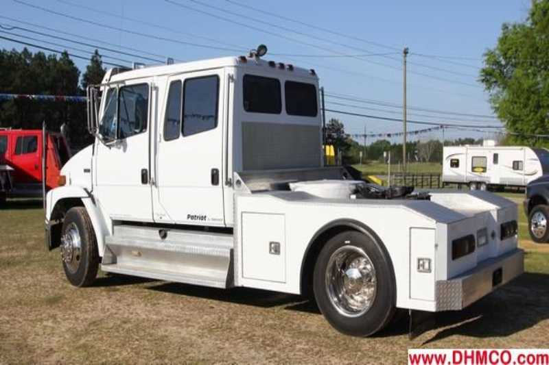 #2373s - Used 1998 Freightliner FL50 Truck
