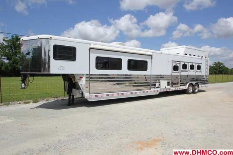 #A3867 - Used 2003 Sundowner 8416GLQ Grand Sierra MID TACK 4 Horse Trailer with 16' Short Wall