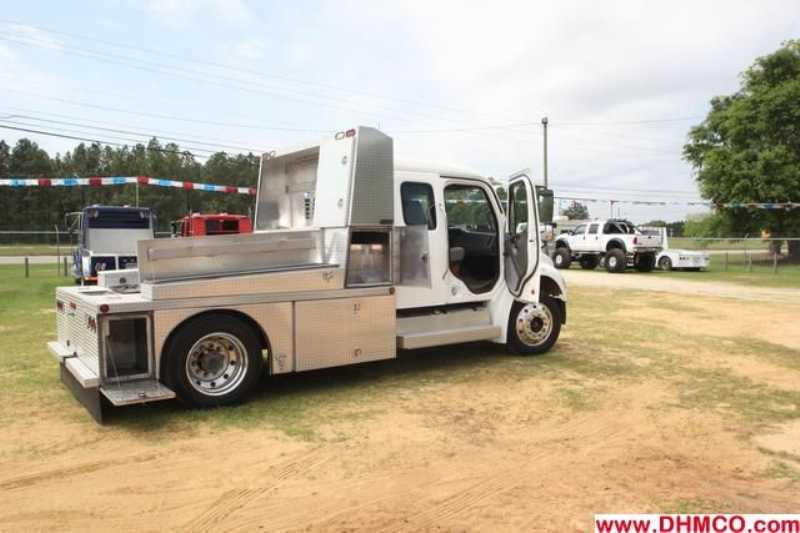 #59514 - Used 2004 Freightliner M2 106 Medium Duty Truck