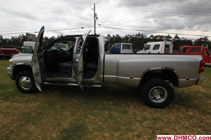 Used 2009 Dodge Medium Duty Truck Trailer