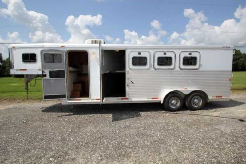 Exiss horse trailer for sale used 2002 4 horse trailer for Shop with living quarters for sale