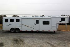 #03809 - New 2014 Bison 8314LQSD Dixie Ranch House 3 Horse Trailer  with 14' Short Wall
