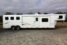 #03898 - New 2014 Bison 8314LQSD Dixie Ranch House 3 Horse Trailer  with 14' Short Wall