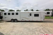 #04000 - New 2014 Bison 8414LQSD Dixie Ranch House 4 Horse Trailer  with 14' Short Wall