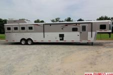 #04025 - New 2014 Bison Premier 8417GLQUG 4 Horse Trailer  with 17' Short Wall