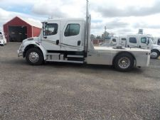 #23181 - Used 2005 Freightliner M2 106 Truck