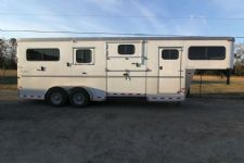 #A7026 - Used 2013 Sundowner 2+1 2 Horse Trailer  with 4' Short Wall