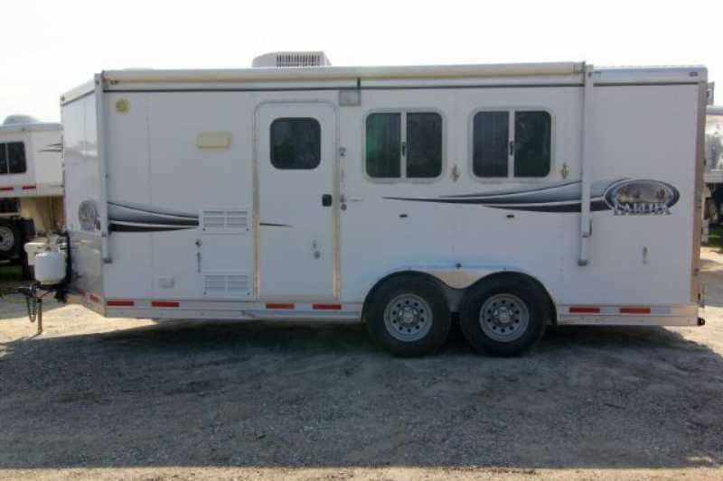 Lakota horse trailer for sale used 2008 2 horse trailer for Shop with living quarters for sale