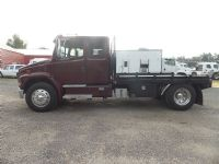 #14528 - Used 2002 Freightliner FL70 Truck