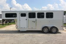 #A9937 - New 2015 Sundowner SS3HGN 3 Horse Trailer  with 2' Short Wall