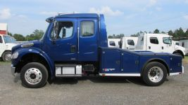 #A8746 - Used 2008 Freightliner M2 106 Truck