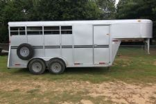 #77204 - Used 2006 Bee 3HSLGN 3 Horse Trailer  with 2' Short Wall