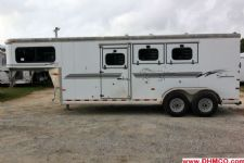 #B3195 - Used 2002 Sundowner 3HSL 3 Horse Trailer  with 5' Short Wall