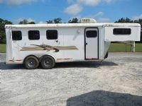 #13859 - Used 2003 Towlite 3HSL 3 Horse Trailer  with 4' Short Wall