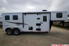 #04720 - New 2015 Bison Trail Hand 7260LQ S 2 Horse Trailer  with 6' Short Wall