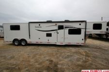 #00921 - New 2015 Lakota Charger 8315GLQ 3 Horse Trailer  with 15' Short Wall