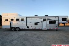 #00913 - New 2015 Lakota Charger 8415GLQ 4 Horse Trailer  with 15' Short Wall